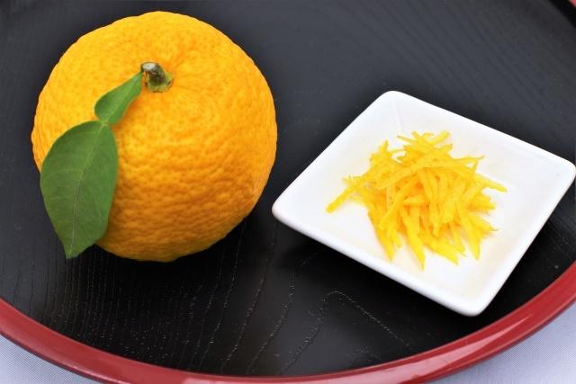 みかんや柚子の皮を入れるとぬか漬けが美味しくなる